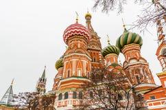 St. Basil Cathedral auf Winter in Moskau, Russland Lizenzfreies Stockfoto