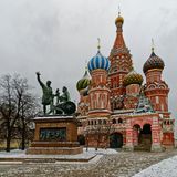 St. Basil Cathedral auf Winter in Moskau, Russland Stockfotografie