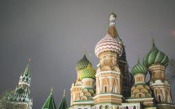 St Basil Cathedral, Moscou Kremlin, nuit Image stock