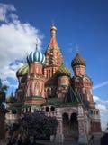 St Basil& x27; s Kathedraal in de zomer Royalty-vrije Stock Foto