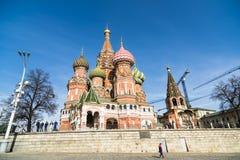 St Basilicum` s Kathedraal in Moskou stock foto's