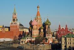 St-basilikadomkyrka & Kreml, Moskva, Ryssland Royaltyfri Bild