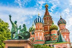 St-basilikadomkyrka på röd fyrkant i Moskva, Ryssland Fotografering för Bildbyråer