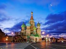 St-basilikas domkyrka på den röda fyrkanten av MoskvaKreml Fotografering för Bildbyråer