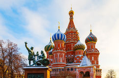 St.-Basilikum ` s Kathedralen-Winter-Roter Platz in Moskau stockfoto