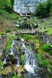 St Beatus Cave et cascades au-dessus de Thunersee, Sundlauenen, Suisse photo libre de droits