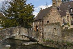St Bonifacius Bridge i Brugge Arkivbild