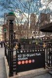 42 St-Bryant parkerar stationen Royaltyfri Bild