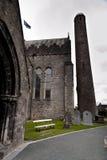 St. Canices大教堂和圆的塔在基尔肯尼 库存照片