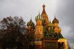St Catedral da manjericão no quadrado vermelho em Moscovo Imagens de Stock Royalty Free