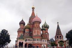 St Catedral da manjericão no quadrado vermelho em Moscovo Imagens de Stock