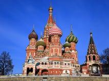 St. Catedral de la albahaca en el cuadrado rojo, Moscú Imagen de archivo libre de regalías