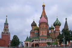 St Cattedrale del basilico sul quadrato rosso Immagine Stock Libera da Diritti