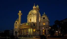 St Charles Church i Wien royaltyfri foto
