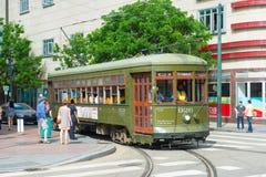 St Charles Line del tranvía de RTA en New Orleans Imágenes de archivo libres de regalías