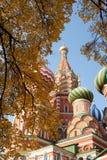 St Chiesa ortodossa russa del basilico immagini stock