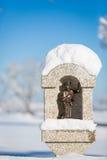 St Coloman小雕象在新天鹅堡,德国阿尔卑斯附近的施万高 免版税图库摄影