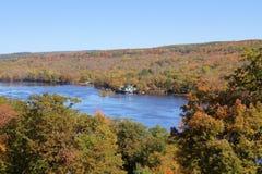 St Croix Scenic River in Oktober Stock Foto's