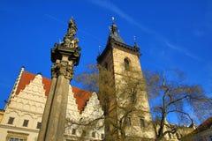 St. Cyril en Metoděj kyrka, det nya stadshuset (tjeck: Novoměstská radnice), gamla byggnader, ny stad, Prague, Tjeckien Fotografering för Bildbyråer