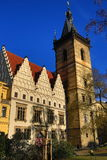 St. Cyril uma igreja de Metod?j, a câmara municipal nova (Checo: Radnice de Novom?stská), construções velhas, cidade nova, Praga,  Fotos de Stock Royalty Free