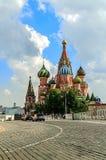 St de Kathedraal van het Basilicum op Rood Vierkant in Moskou, Rusland Royalty-vrije Stock Foto's
