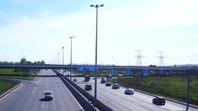 ST DE RUSIA PETERBURG- 22 DE ABRIL: vista aérea de la carretera moderna metrajes