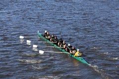 St. Edward School Crew läuft im Kopf von Charles Regatta Men-` s Jugend Eights Stockbild