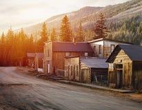 St Elmo Old Western Ghost Town no meio das montanhas fotos de stock royalty free