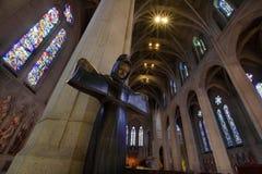 St Francis da estátua de Assisi na catedral da benevolência Imagens de Stock Royalty Free
