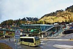 St funicolare Anton Tyrol Austria della località di soggiorno di inverno Fotografie Stock Libere da Diritti