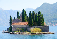 Остров St. George (остров умерших), залив Kotor, Черногории Стоковая Фотография RF