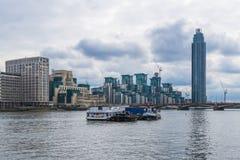 St George Wharf, Londen, het UK Royalty-vrije Stock Afbeeldingen