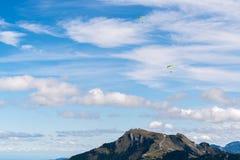 ST GILGEN, SALZBURG/AUSTRIA - SEPTEMBER 15: Hängning-glidning över Royaltyfria Bilder