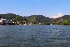 St Goar i Rhine rzeka w Niemcy zdjęcia stock