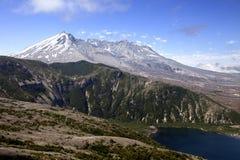 St. Helens y lago del Mt. spirit Imagenes de archivo