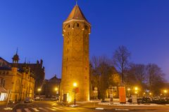 St Hyacinth Tower ? Danzig la nuit photos stock