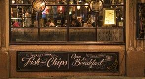St inglés tradicional James Tavern London Reino Unido del Pub Imágenes de archivo libres de regalías