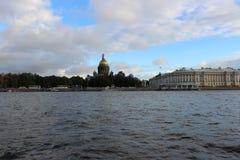 St Isaac& x27; s-domkyrka, St Petersburg Arkivfoto