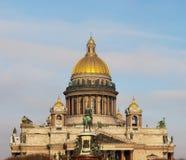 St Isaac ` s Kathedraal in sankt-Peterburg Stock Afbeelding