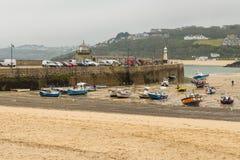 St Ives Harbor Beach, Cornwall, het Verenigd Koninkrijk stock foto