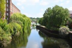 St James Mill y río Wensum, Norwich, Inglaterra fotografía de archivo