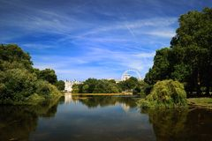 St James Park (London). St James Park and London eye Stock Photography
