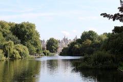 St James parkerar, London Arkivfoton
