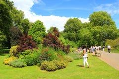 St James Parkgärten London lizenzfreie stockfotografie