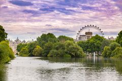 Free St James`s Park Lake Royalty Free Stock Photography - 99696117