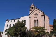 St James - uma catedral católica de pedra branca original do século XV. Fotografia de Stock Royalty Free