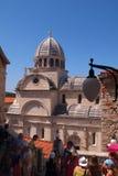 St James - uma catedral católica de pedra branca original do século XV. Foto de Stock