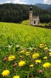 St Johann Church, Santa Maddalena, Val Di Funes, dolomías Imágenes de archivo libres de regalías