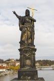 ST John ο βαπτιστικός στη γέφυρα του Charles στην Πράγα Στοκ Φωτογραφίες