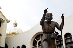 St. John статуя бронзы баптиста сбоку небольшой базилики Стоковые Фотографии RF
